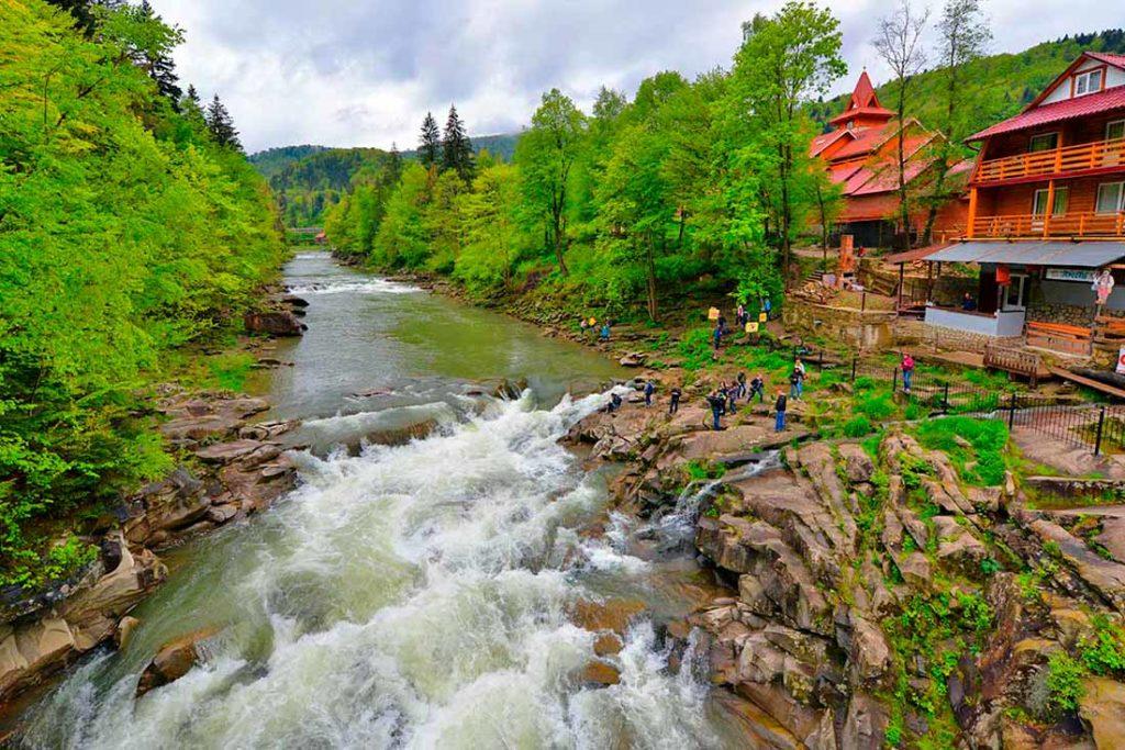Туристы в Карпатах: где отдохнуть?